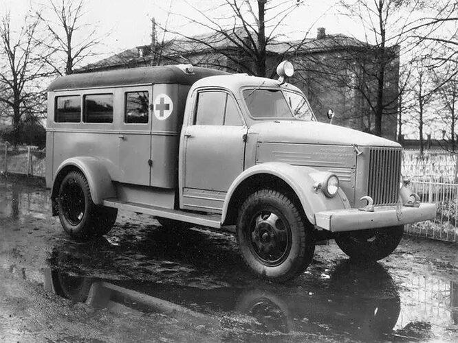 1953 год, ПАЗ-653, медицинский спецавтомобиль с «газовской» кабиной.