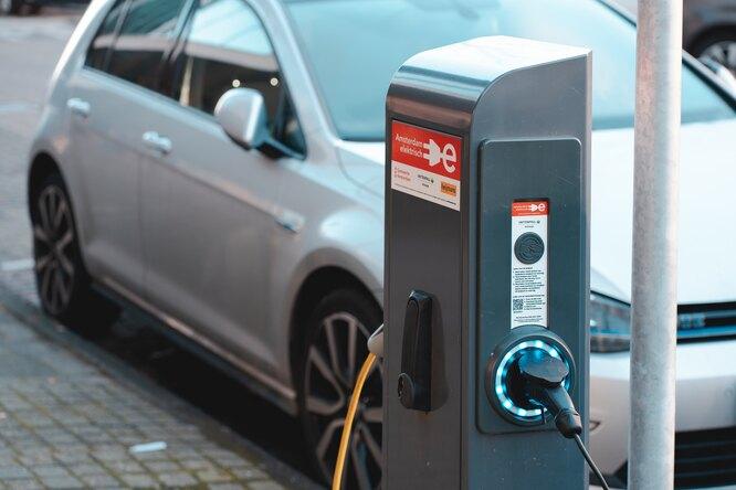Российские водители сэкономят до625 тысяч рублей напокупке электрокаров