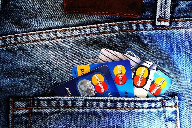 8 мест, где небезопасно расплачиваться банковской картой