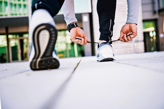 Как выбрать кроссовки длябега: может ли правильная обувь помочь быстрее добежать дофиниша?