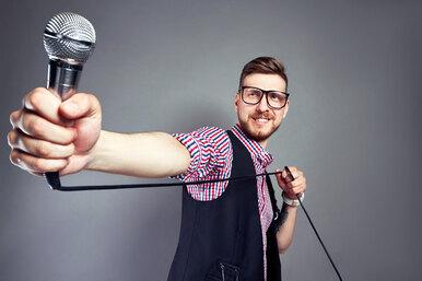 5 песен изкино, которые мужчине нестыдно петь вкараоке