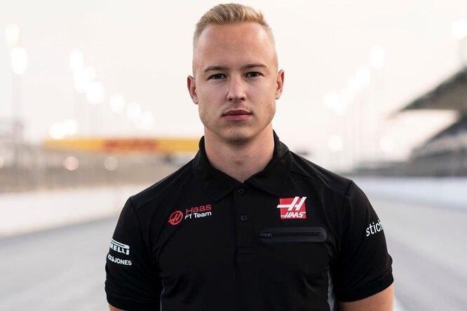 Россиянина признали худшим пилотом 1/2 сезона «Формулы-1»