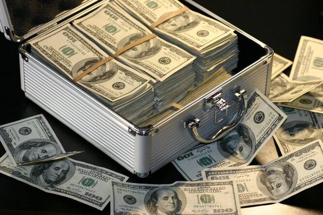 Мужчина 30 лет играл влотерею одинаковой комбинацией ивыиграл несколько миллионов долларов