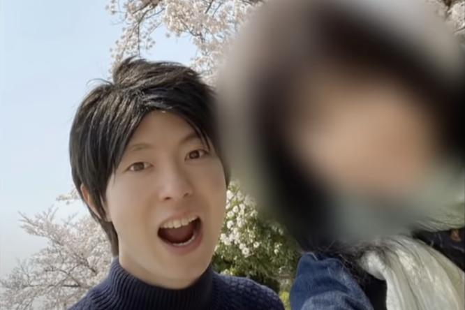 Как японец тайно встречался одновременно с35 девушками ради подарков надень рождения