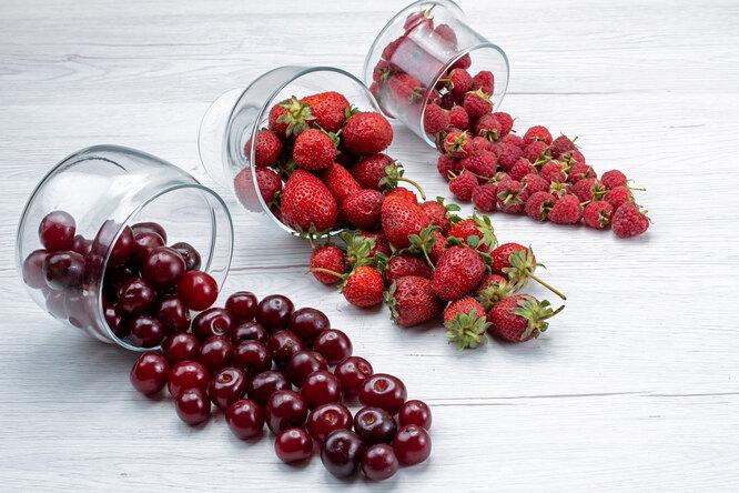 4 самых полезных ягоды свашего огорода: преимущества ирецепты