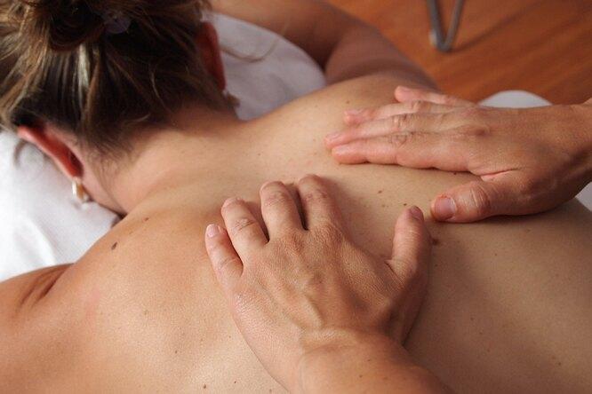 Как сделать девушке массаж после тренировки?