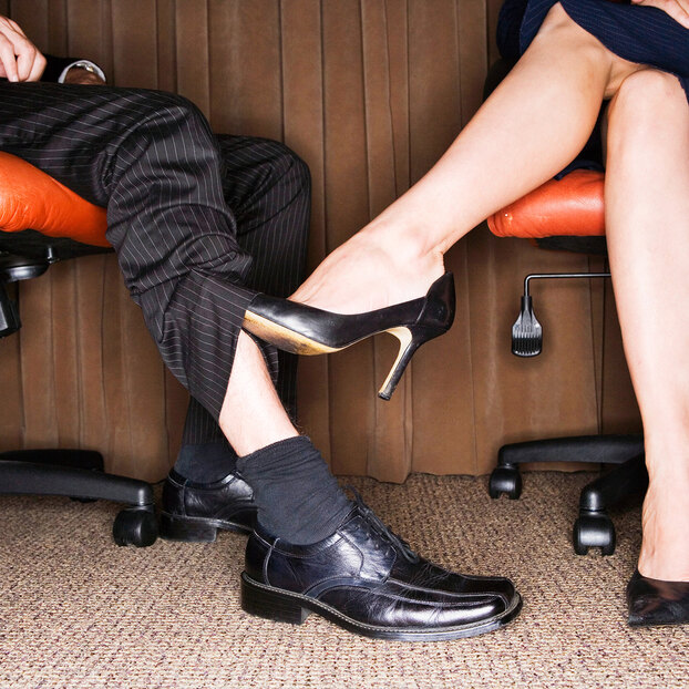 Служебный роман: 6 правил неуставных отношений наработе