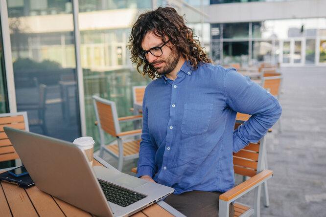 5 вредных привычек, из-за которых увас болит спина