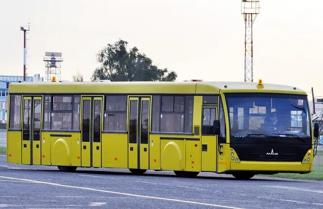 МАЗ (Минск, Беларусь). Минский автомобильный завод был основан в 1944 году и является одним из крупнейших в СНГ производителей всевозможной грузовой техники, а также автобусов различного назначения. В линейке Минского автомобильного завода есть один перронный автобус МАЗ-171, рассчитанный на 122 человека. Производится он с 2007 года и широко используется в аэропортах СНГ – Минске, Салехарде, Владивостоке, Анапе, Омске, Якутске и так далее.