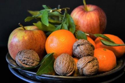 Что лучше дляперекуса — орехи или фрукты?