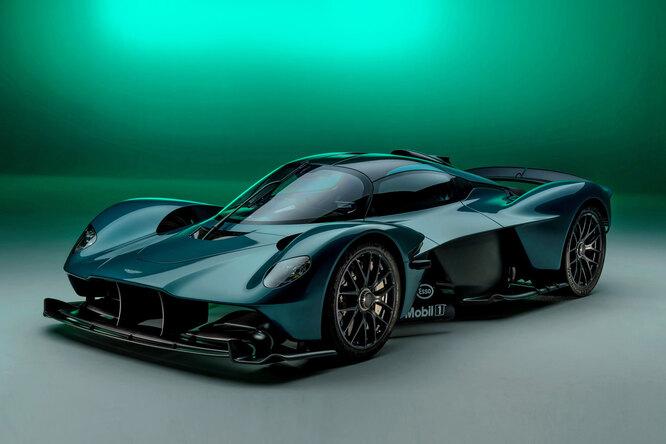 Полет «Валькирии»: Aston Martin представил самый безумный родстер всвоей истории