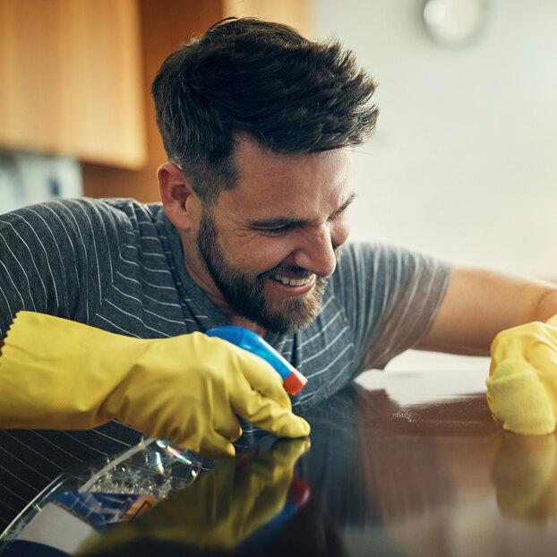 Как очистить бытовую технику безособых усилий: отхолодильника доплиты