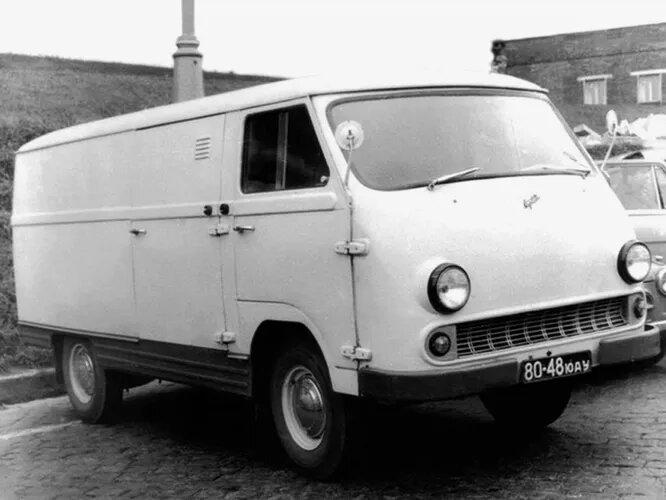 <br />ЕрАЗ (Армения). Ереванский автомобильный завод был конкурентом РАФа и известен в первую очередь своими грузопассажирскими микроавтобусами. Существовал с 1964 по 2002 год. На снимке &ndash; первая, классическая модель ЕрАЗ-762 (1966).<br />&nbsp;