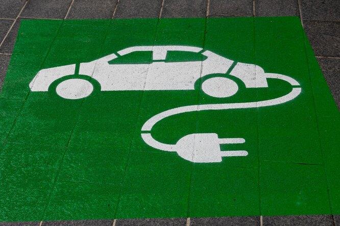 Сколько россиян хотят купить электромобиль? Результаты опроса