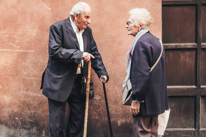 Среди ста долгожителей неоказалось ни одного «фаната здорового образа жизни»