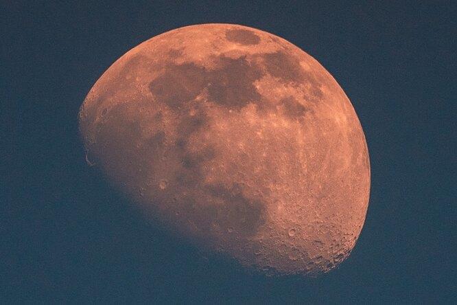 Роскосмос назвал цену полета космонавтов наЛуну