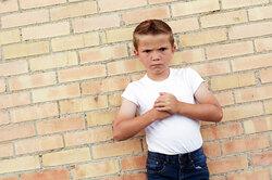 Как научить ребенка постоять засебя вопасной ситуации?