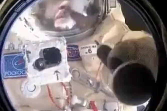 Мама мыла раму: как моют окна накосмической станции