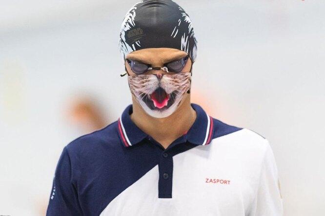Олимпийскому чемпиону Евгению Рылову неразрешили выйти нанаграждение в«кошачьей» маске