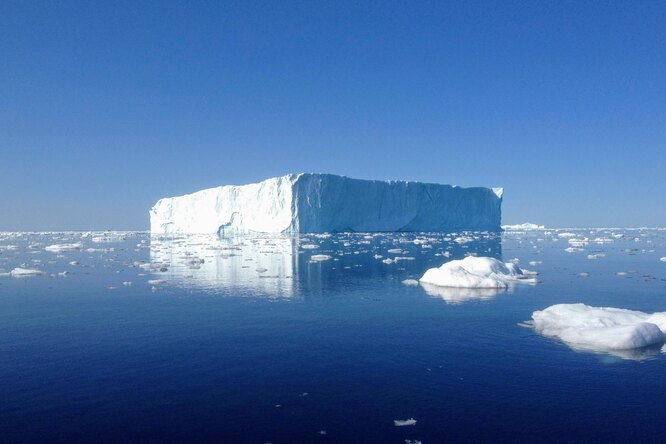 От Антарктиды откололся самый большой айсберг вмире