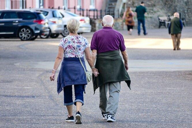 Как связаны возраст человека ито, каких партнеров он выбирает?