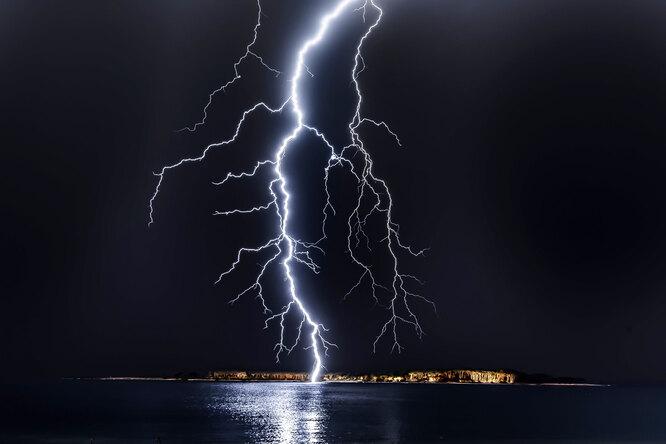 Как спастись отудара молнии ине погибнуть вгрозу