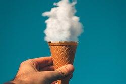 Диетолог назвала самое полезное мороженое