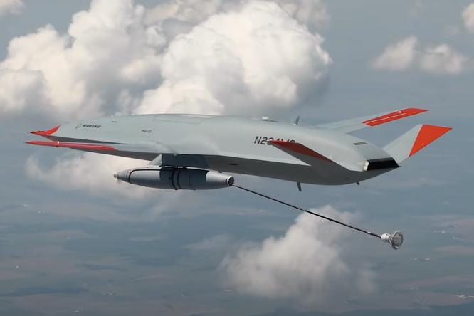 Впервые вистории беспилотник ввоздухе дозаправил самолет
