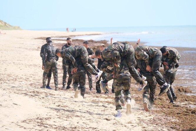 Игроки «Анже» сменили бутсы наберцы: футболисты проходят военную подготовку вместо тренировок