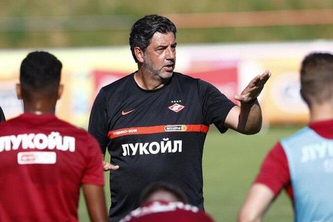 Руководство «Спартака» уволит Виторию, если найдет другого тренера во время матчей сборных — СМИ