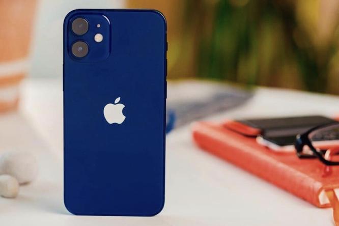 Apple решила закрыть производство iPhone 12 mini