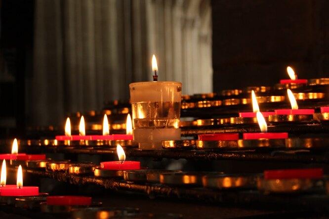 В Великобритании впродаже появились свечи «с запахом богатства»