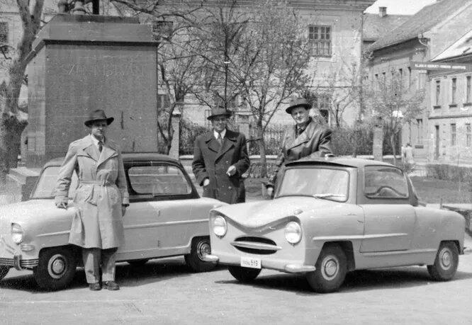 Balaton (справа) и Alba Regia (слева) – два микрокара, разработанных в 1952-1955 годах по заказу Министерства тяжёлой промышленности Венгрии группой инженеров под началом Эрнё Рубика (да, того самого!) Оба автомобиля должны были пойти в серию с 1956 года, но Венгерское восстание положило конец этим планам.
