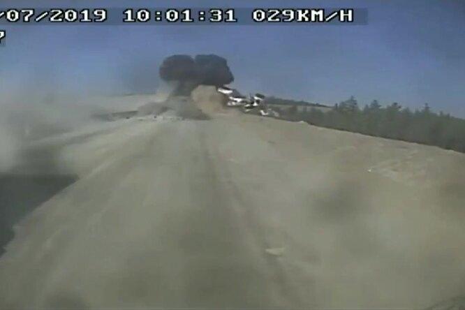 Летающий БелАЗ — как перевернуть ивзорвать грузовик массой вдесятки тонн