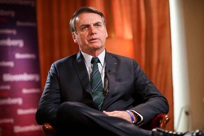 Президента Бразилии госпитализировали из-за непрекращающейся икоты