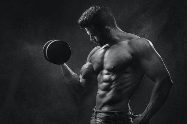 Американский фитнес-тренер поделился тремя лучшими упражнениями дляпроработки мышц груди