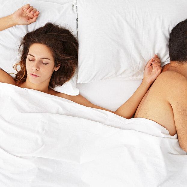 Что говорят оваших отношениях позы, вкоторых вы спите?