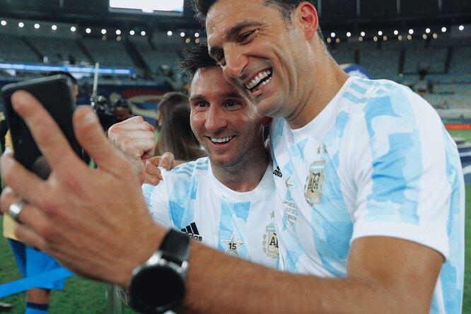 Месси отправил видео столетнему фанату, который записывает каждый гол аргентинца вблокнот