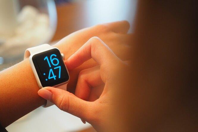 В Китае создали часы, которые могут растворяться вводе