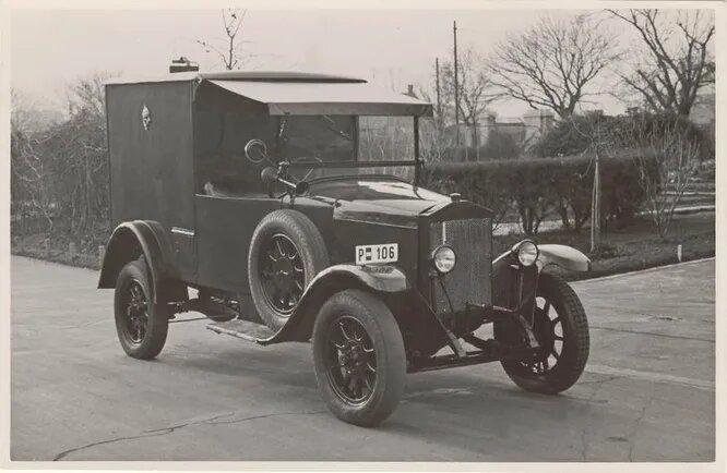 Magomobil – самый крупный довоенный автозавод Венгрии. Существовал с 1901 (изначально под названием Podvinecz & Heisler) по 1929 год и производил автомобили всех мастей, пока не обрушился мировой кризис и не заставил владельцев свернуть производство. На снимке – почтовый Magomobil 1924 года выпуска.