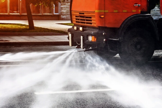 Зачем автомобильные дороги моют вдождь?