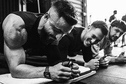 «Запомните три правила»: рекордсмен постоянию впланке показал часть своей тренировки
