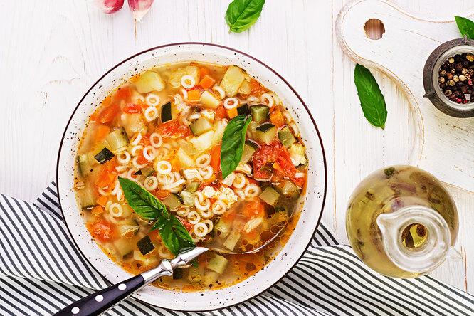 Суп минестроне: как приготовить любимое блюдо вашей печени