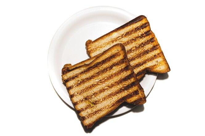 Мужчина организовал теневой бизнес попродаже сэндвичей — их готовила его жена, чтобы экономить нафастфуде