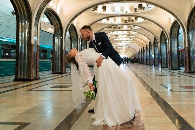 В московском метро впервые зарегистрировали брак
