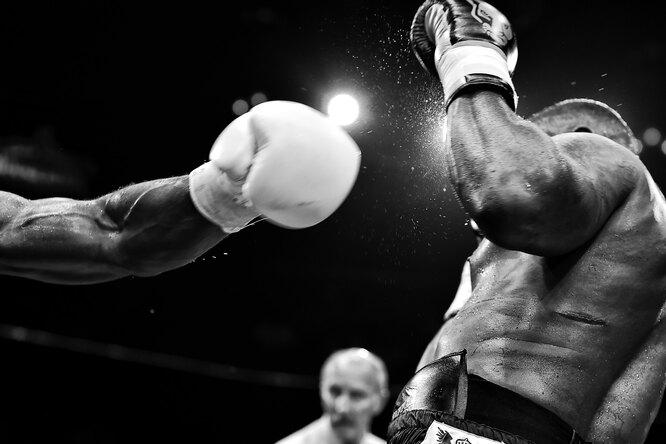 Боксер Эвандер Холифилд сразится споследним соперником Майка Тайсона