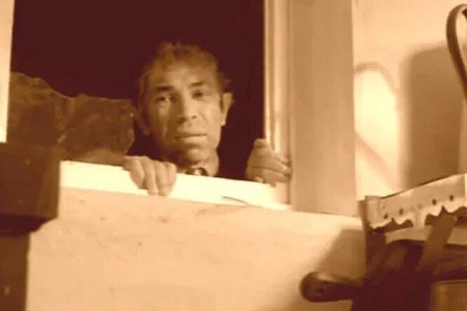 Зачем встарых домах делали окно между ванной икухней?