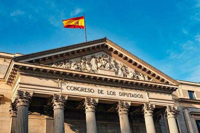 Визовый центр Испании вМоскве решил возобновить выдачу виз