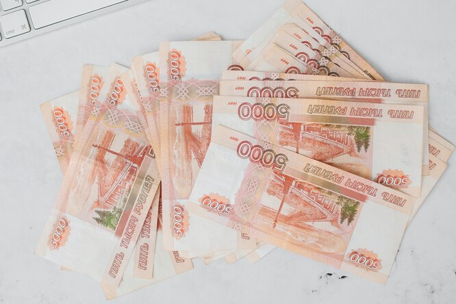 Мошенники начали заставлять россиян выбрасывать деньги изокна