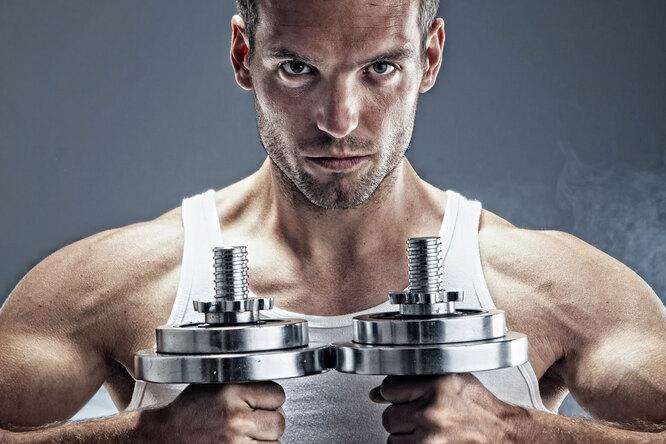 Руки, плечи, спина, грудь: 6 полезных упражнений дляначинающих